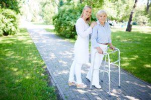 opieka nad seniorem